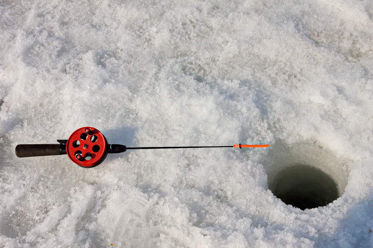 Best Ice Fishing Reels in 2018 – Buyer's Guide